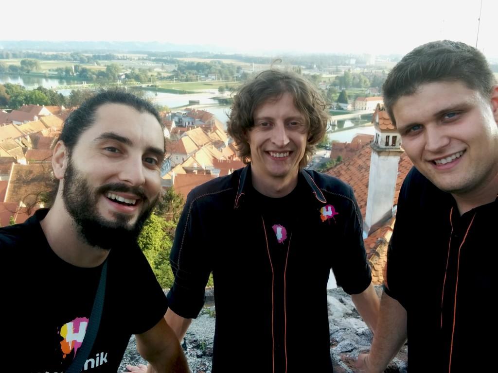 Protocamel: neuradno prva zmaga s slovensko krmo
